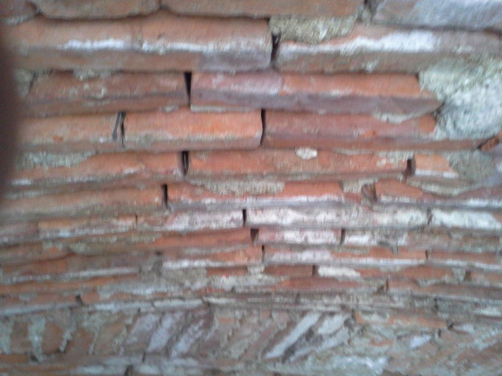 krtaćenje opečnih zidov
